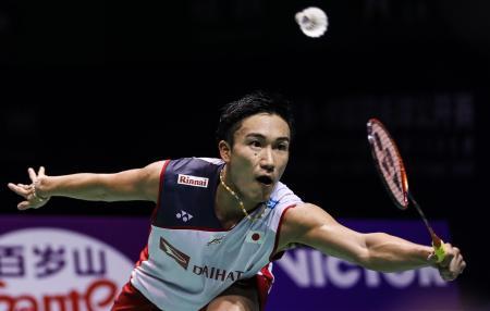 中国オープン準決勝で世界3位の石宇奇を破った桃田賢斗=22日、常州(ゲッティ=共同)