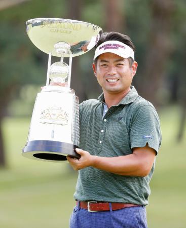 ダイヤモンド・カップで優勝し、通算20勝目を挙げた池田勇太=武蔵CC笹井