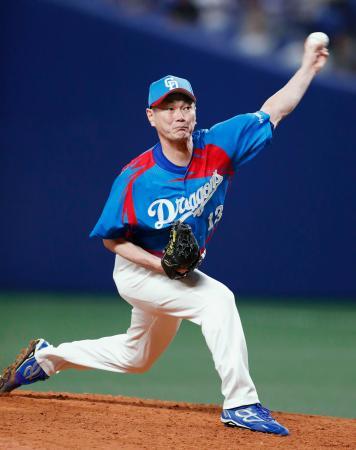 阪神戦の9回に登板し、プロ野球初の千試合登板を達成した中日の岩瀬仁紀投手=28日、ナゴヤドーム