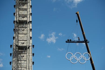 第3回夏季ユース五輪の開幕に向け、ブエノスアイレス市内で進む準備作業=4日(OIS提供・共同)