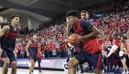 6日、ゴンザガ大の激励イベントに参加した、男子バスケットボールの八村塁=米ワシントン州スポケーン(共同)