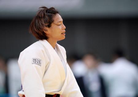 柔道の講道館杯全日本体重別選手権の1回戦で敗退し、目を閉じる松本薫選手=4日午前、千葉市の千葉ポートアリーナ