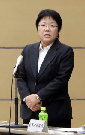 協議会であいさつする警視庁の田中俊恵交通部長=21日午後、東京都港区