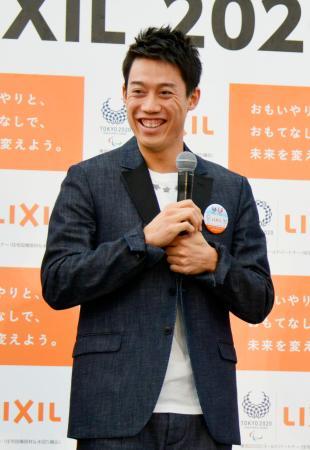 イベントで笑顔を見せる錦織圭=23日、東京都品川区