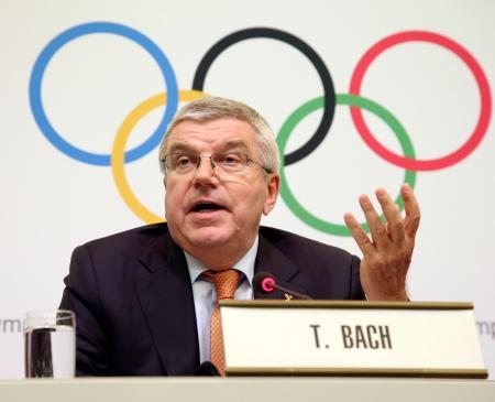 IOC理事会を終え、記者会見するバッハ会長=1日午後、東京都内