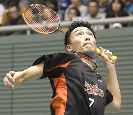 男子シングルスで優勝した桃田賢斗=駒沢体育館