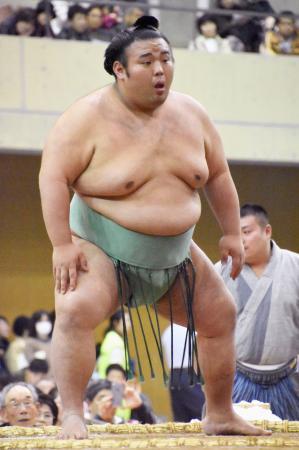 冬巡業に臨んだ、九州場所で初優勝した小結貴景勝=長崎市