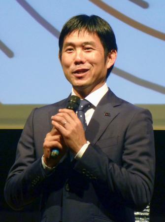 アジア・カップに向けたトークショーで、意気込みを語ったサッカー日本代表の森保監督=6日、東京都内