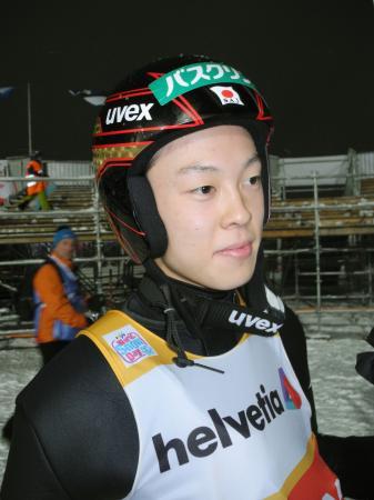 W杯ジャンプ男子個人第6戦予選を1位通過した小林陵侑=エンゲルベルク(共同)