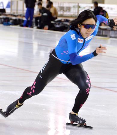全日本選手権に向け調整するスピードスケート女子の高木美帆=北海道帯広市