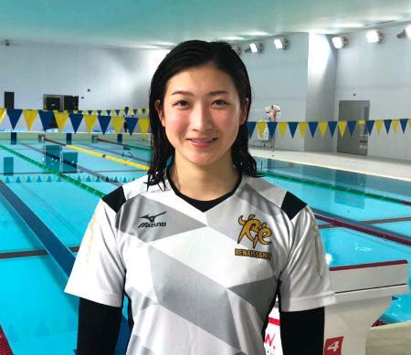 今春進学する日大のプールで今年初めての練習を行った池江璃花子=3日、東京都世田谷区(提供写真)