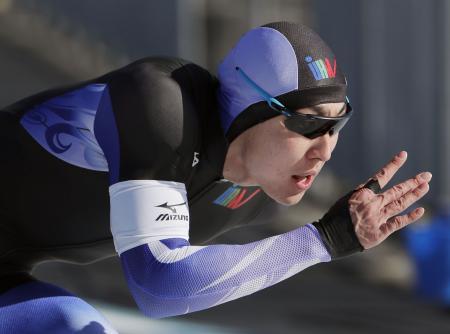 男子500メートルで3連覇を達成した新浜立也=日光霧降スケートセンター