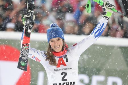 アルペンスキーW杯女子回転で今季3勝目を挙げたペトラ・ブルホバ=8日、フラッハウ(ゲッティ=共同)