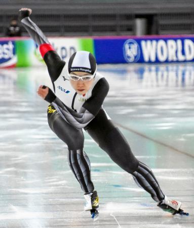 女子500メートルで優勝した小平奈緒=ハーマル(共同)