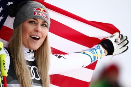 アルペンスキーの世界選手権女子滑降、現役最後のレースで銅メダルを獲得したリンゼイ・ボン=10日、オーレ(ロイター=共同)
