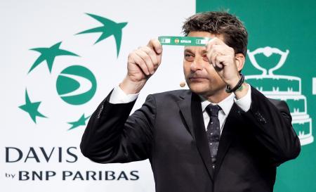 マドリードで行われたテニスの国別対抗戦、デビス杯(デ杯)の組み合わせ抽選=14日(ゲッティ=共同)