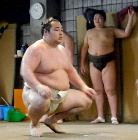 時津風部屋に出稽古し、本格始動した横綱鶴竜=大阪市