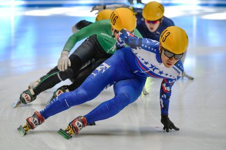 スピードスケート・ショートトラックのジャパントロフィー選手権に出場した斎藤慧選手=9日、広島市のひろしんビッグウェーブ