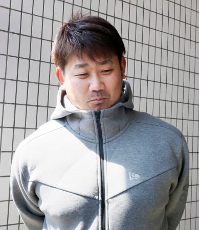 新元号について取材に応じる、平成の怪物と呼ばれた中日の松坂大輔投手=1日午後、ナゴヤ球場
