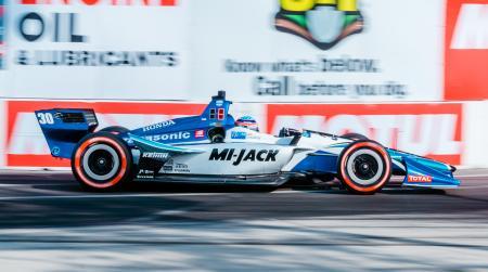 自動車のインディカー・シリーズ第4戦 8位の佐藤琢磨=14日、米ロングビーチ(ゲッティ=共同)