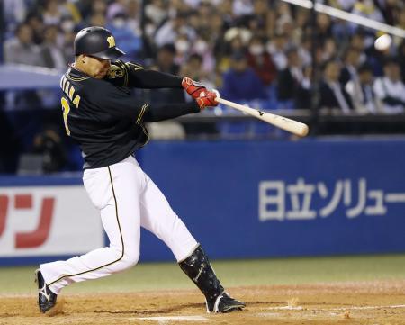 3回阪神無死、大山が左中間に2打席連続の本塁打を放つ=神宮