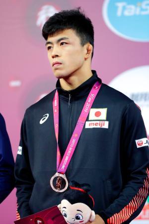 男子グレコローマン60キロ級で銅メダルの文田健一郎=西安(共同)