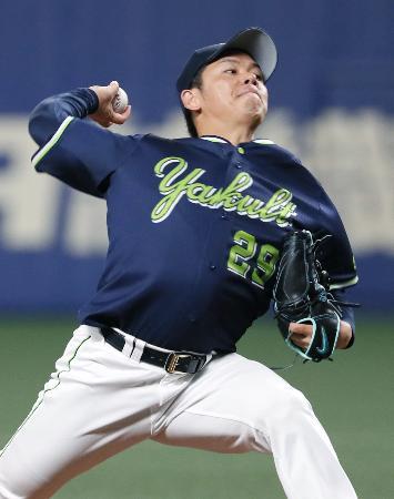 完投で今季初勝利を挙げたヤクルト・小川=ナゴヤドーム