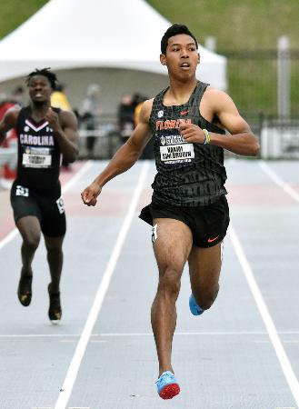 陸上の米大学南東地区選手権男子200メートルで決勝進出を決めたサニブラウン・ハキーム=フェイエットビル(共同)