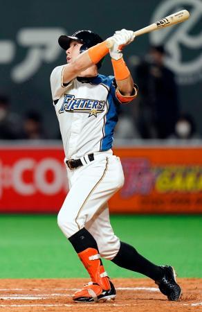 5回日本ハム1死、杉谷が左越えに本塁打を放つ=札幌ドーム
