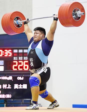 男子109キロ超級 優勝した村上英士朗のジャーク=江刺中央体育館