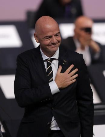 FIFA会長に再選されたジャンニ・インファンティノ氏=パリ(ゲッティ=共同)