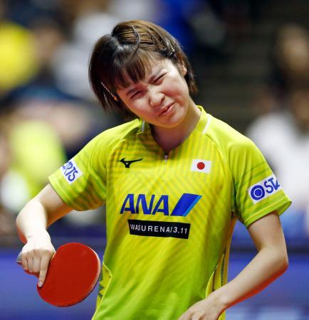 女子シングルス準決勝でポイントを奪われ、厳しい表情の平野美宇=北海きたえーる