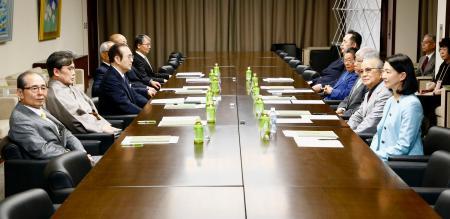 「大相撲の継承発展を考える有識者会議」の第1回会合=21日、東京都墨田区の両国国技館