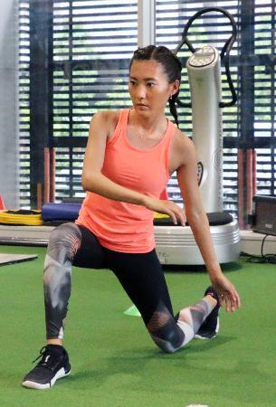 東京五輪マラソン代表選考会に向けてトレーニングする岩出玲亜=2日、東京都内
