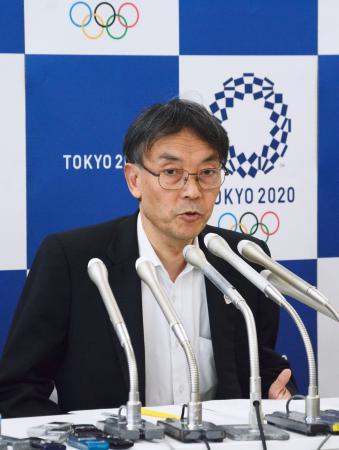 五輪チケットの再抽選販売について説明する2020年東京五輪・パラリンピック組織委の古宮正章副事務総長=4日午後、東京都中央区