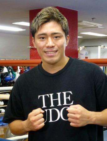 再起戦を発表した前WBOスーパーフェザー級王者の伊藤雅雪=19日、横浜市