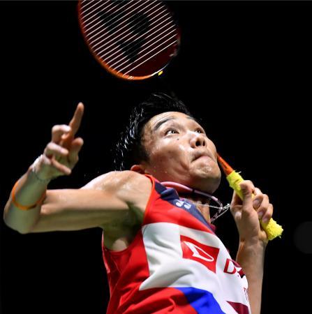 男子シングルス2回戦 タイ選手と対戦する桃田賢斗=武蔵野の森総合スポーツプラザ