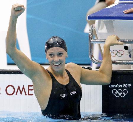 ロンドン五輪の競泳女子100メートルバタフライで優勝したデイナ・ボルマー=2012年(共同)