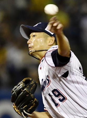 阪神戦に先発し、6回1失点で5勝目を挙げたヤクルト・石川=神宮