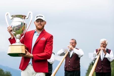 欧州ゴルフのオメガ欧州マスターズでツアー初優勝を飾ったセバスチャン・ソーデベリ=1日、クランモンタナ(AP=共同)