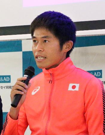 壮行会で意気込みを語る、陸上の世界選手権マラソン男子代表の川内優輝=6日、東京都内