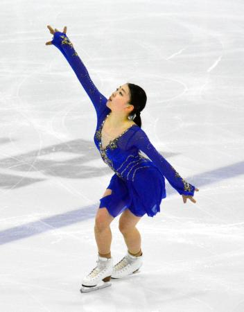 フィギュアスケートのオータム・クラシックへ向け、試合会場で調整する紀平梨花=オークビル(共同)