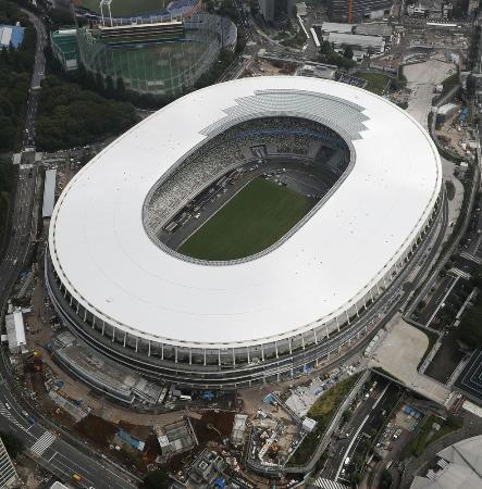 2020年東京五輪のメインスタジアムとなる新国立競技場=7月23日