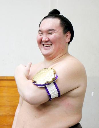 第78回全日本力士選士権で優勝し笑顔の横綱白鵬=両国国技館