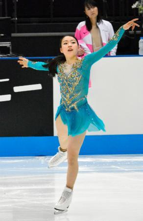 フィギュアスケートのジャパン・オープン前日練習で調整する紀平梨花=さいたまスーパーアリーナ