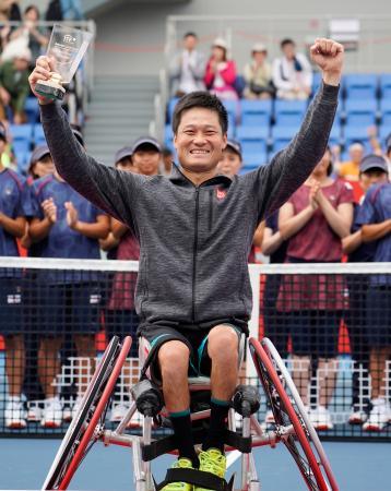 車いすの部・男子シングルスで優勝した国枝慎吾=有明テニスの森公園
