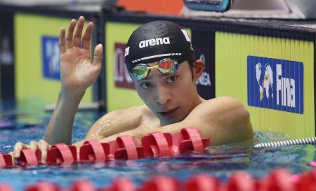 男子100メートル背泳ぎを制した入江陵介=13日、ベルリン(ゲッティ=共同)
