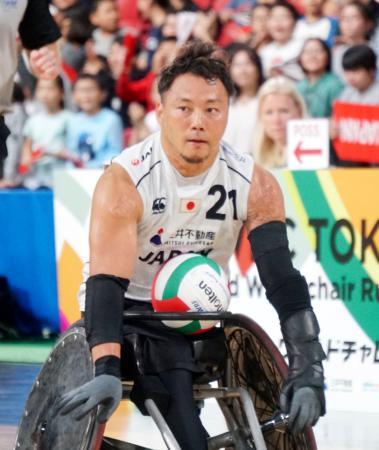 1次リーグのブラジル戦でボールを運ぶ池=東京体育館