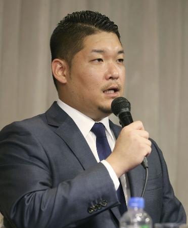 ポスティングシステムを利用しての米大リーグ挑戦を正式に表明したDeNAの筒香嘉智外野手=10月29日、横浜市内のホテル