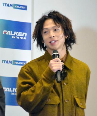 新チーム発足会見に出席した、スケートボード・パークに挑戦している平野歩夢=28日、東京都内